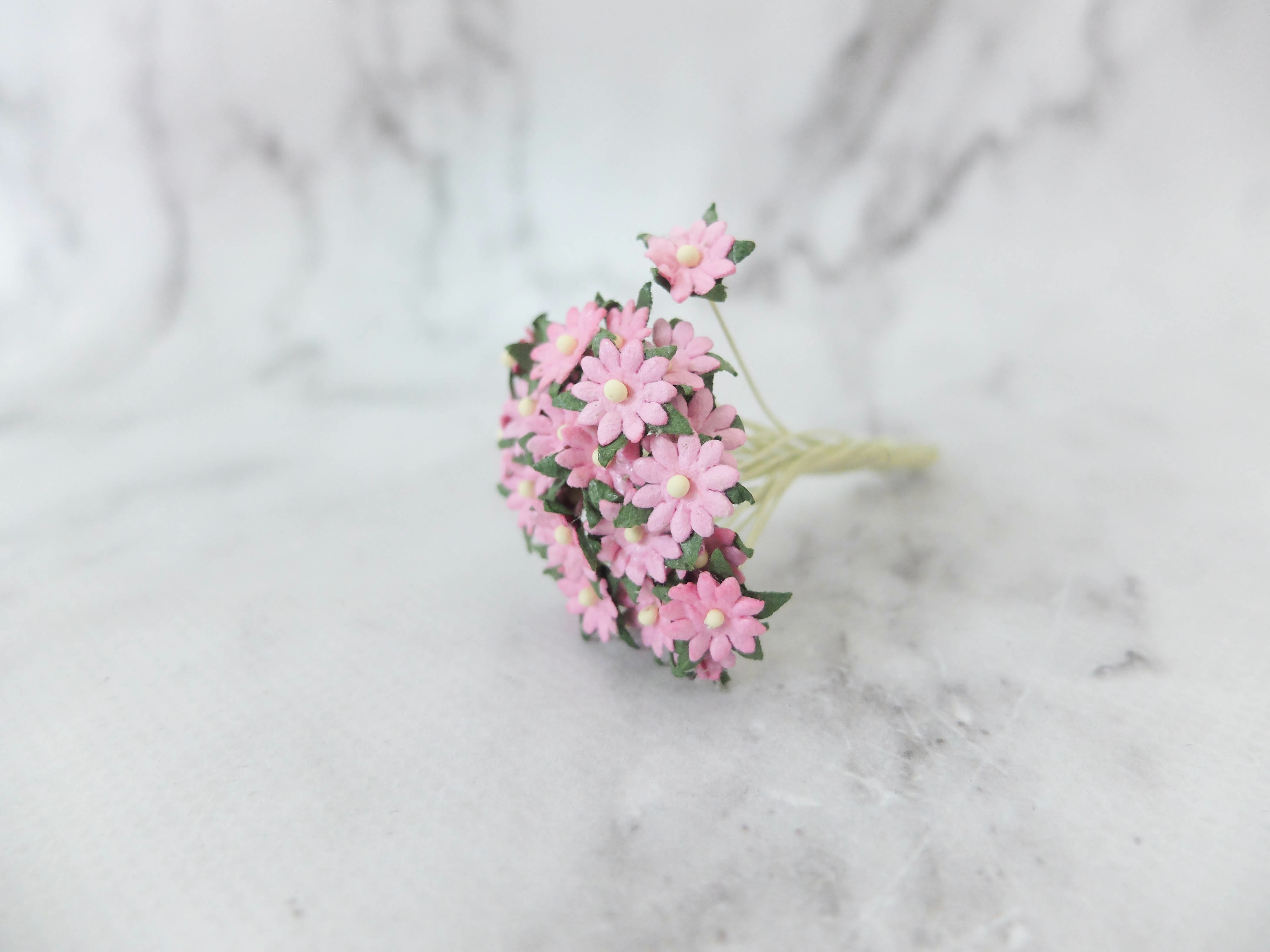 1 cm flat paper daisies with wire stems 100 pcs wholesale bulk 10mm paper mightylinksfo