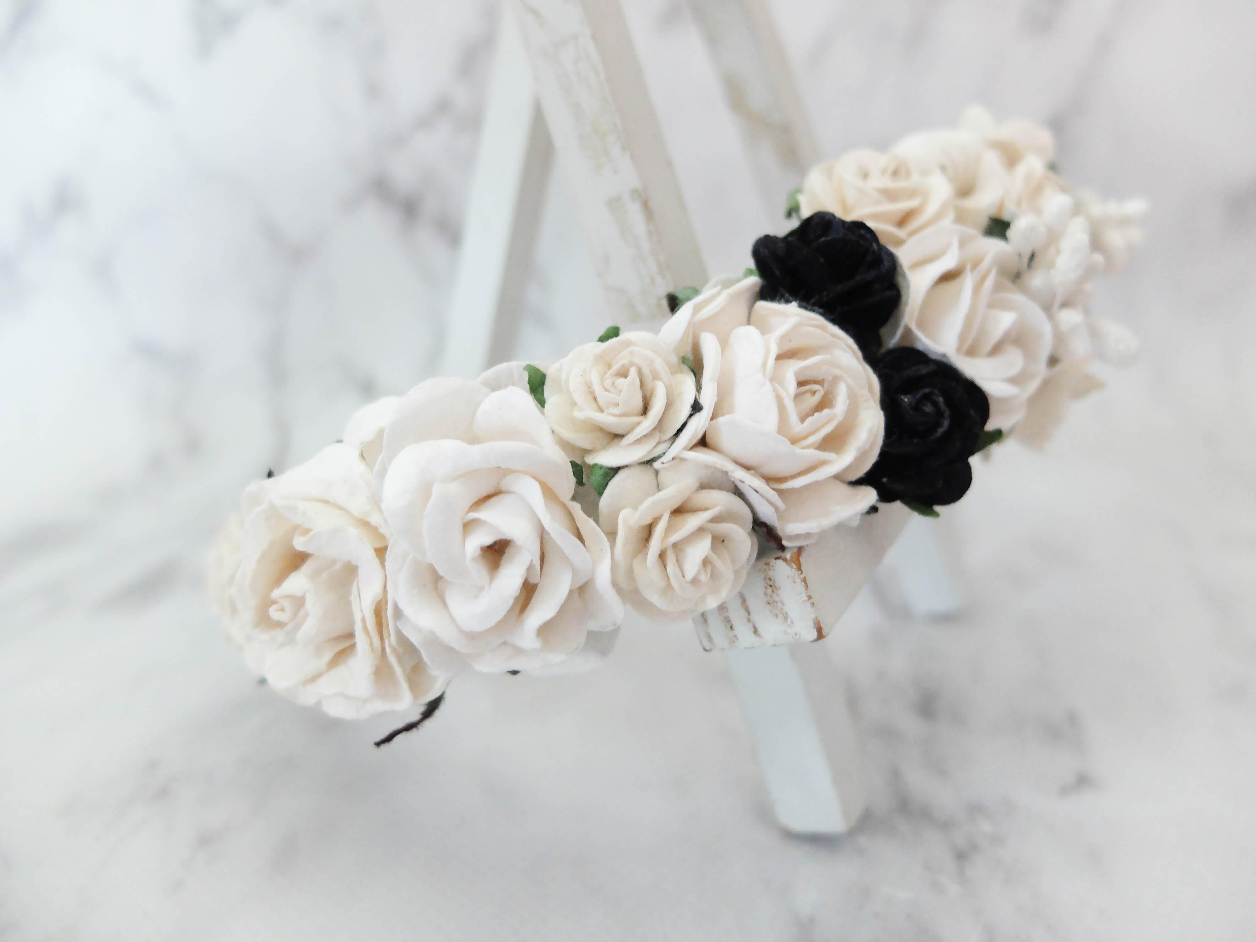 Off white black flower crown izmirmasajfo